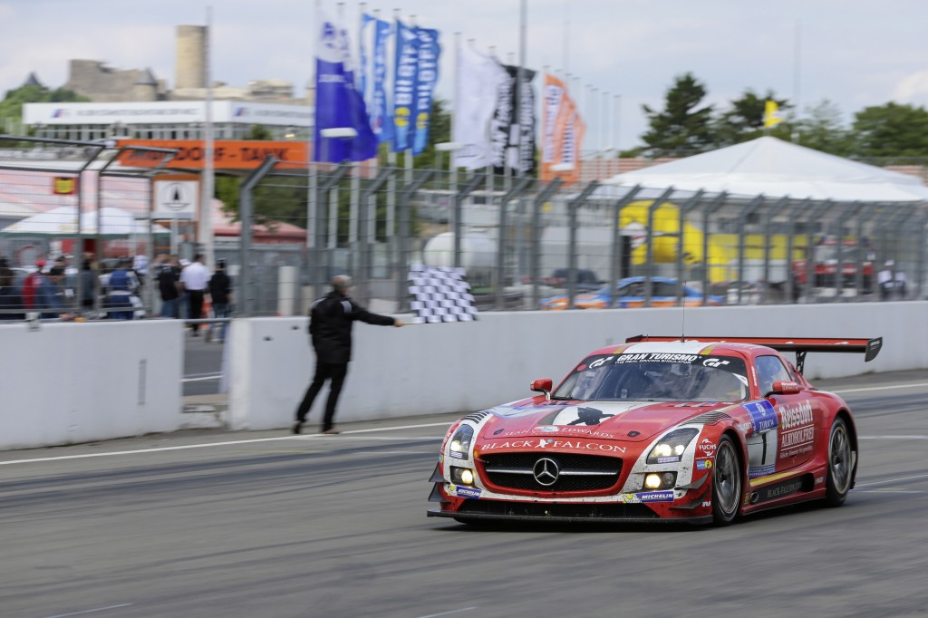 24 Hours N 252 Rburgring Two Podium Positions For Amg