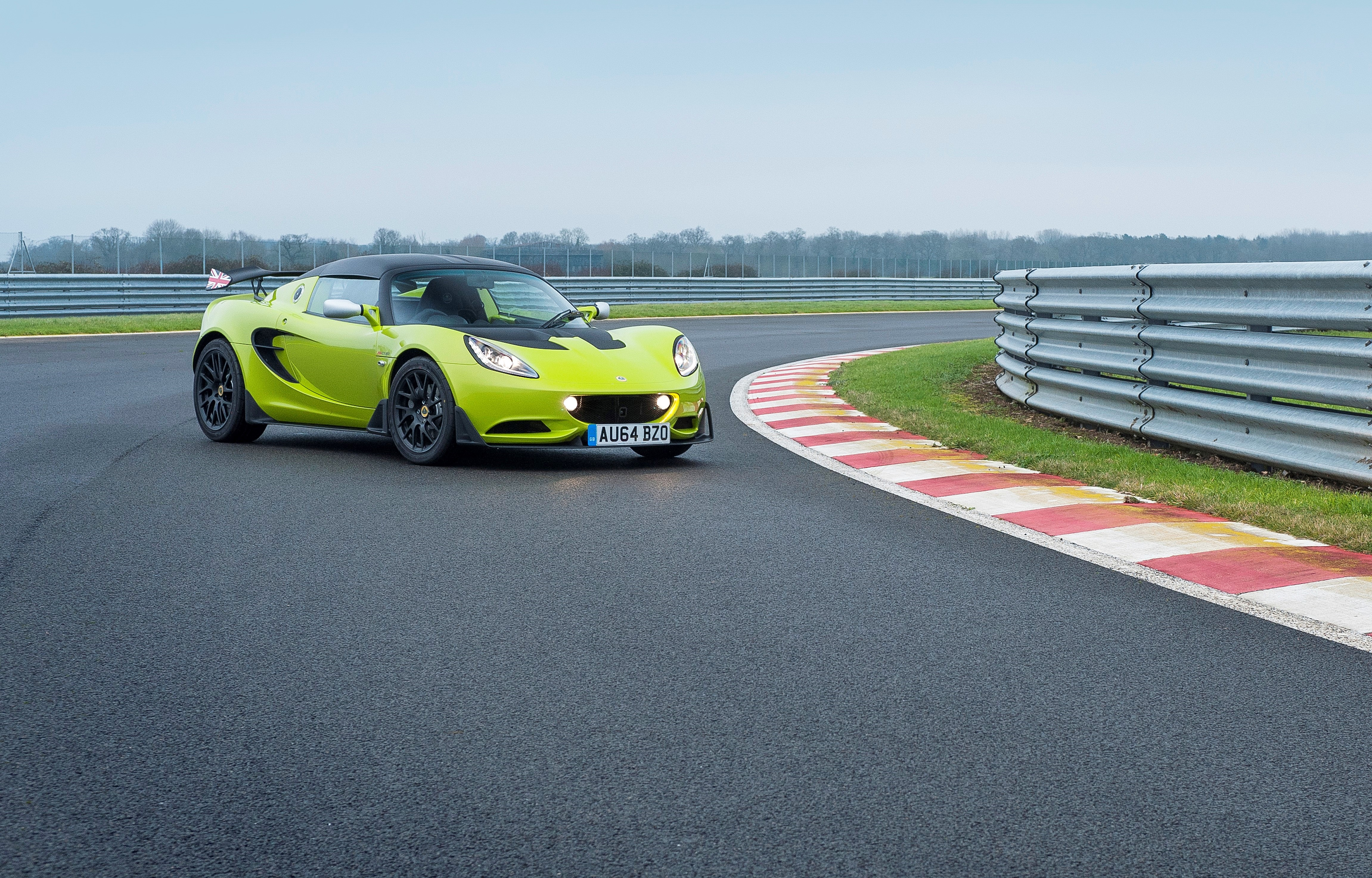 Lotus Elise S Cup ready for the road | MOTRFACE