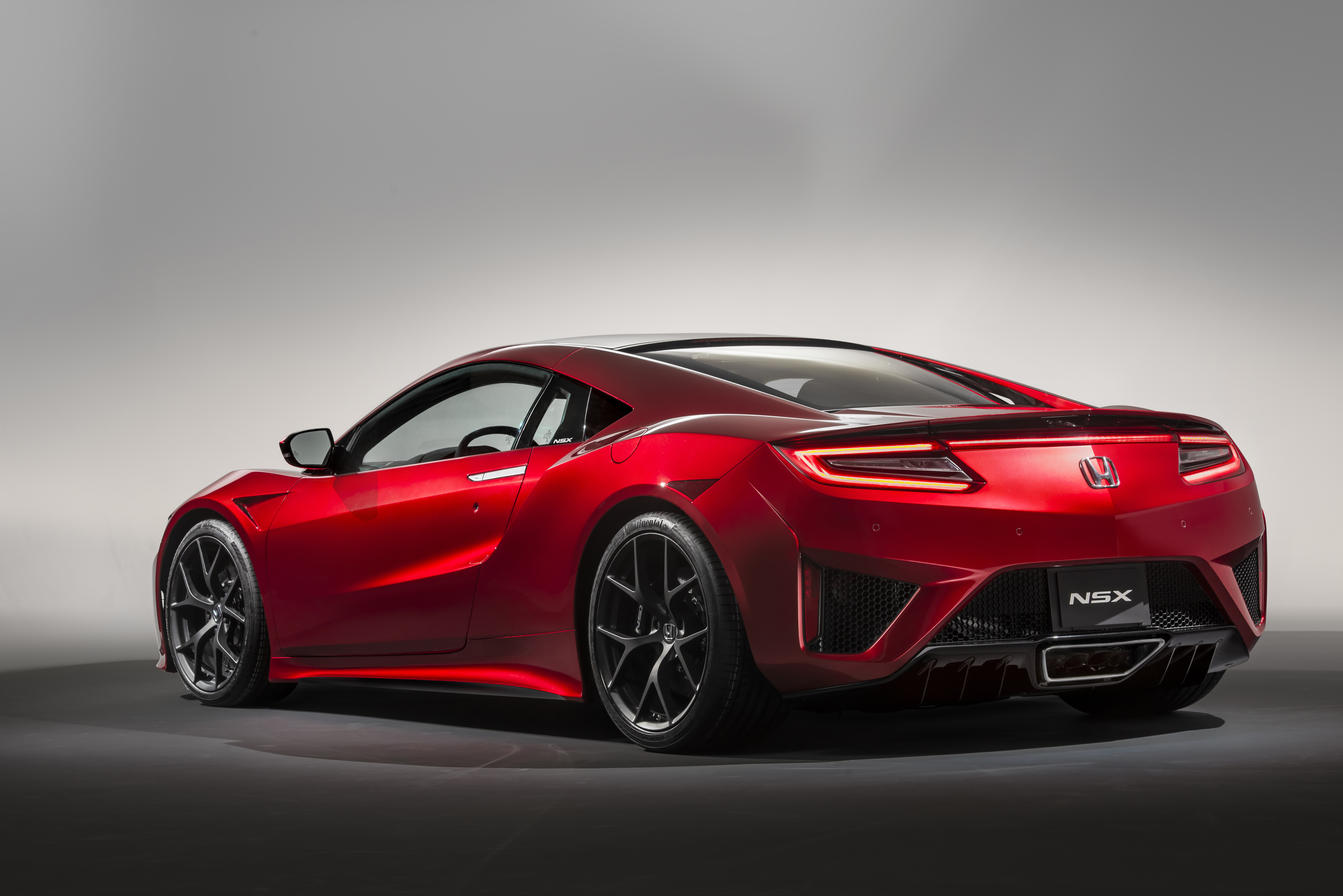 acura nsx european debut at geneva motor show motrface. Black Bedroom Furniture Sets. Home Design Ideas