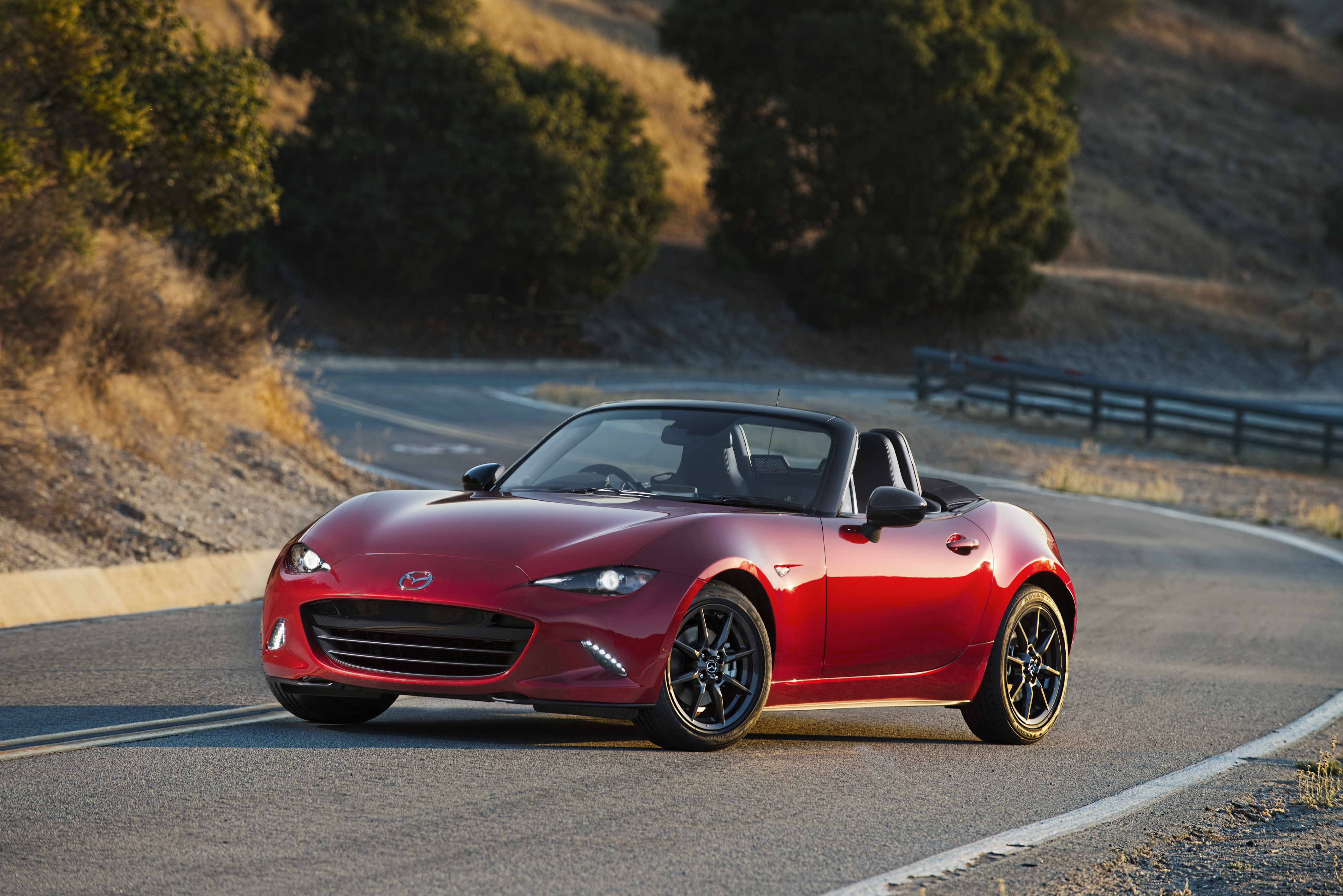 new 2016 mazda mx 5 miata driving matters advertising. Black Bedroom Furniture Sets. Home Design Ideas
