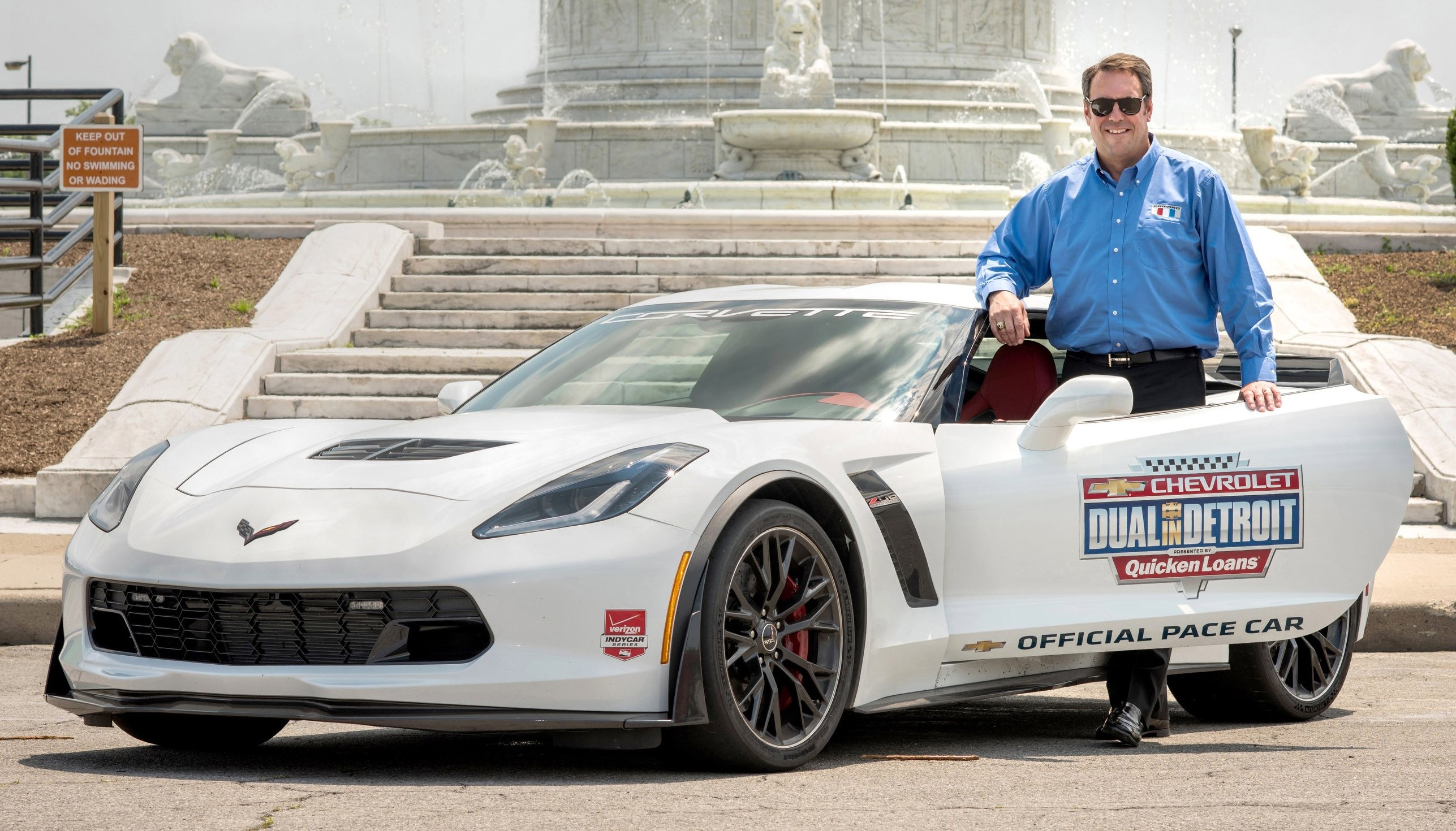 gm executive mark reuss to pace detroit grand prix in corvette z06 motrface. Black Bedroom Furniture Sets. Home Design Ideas