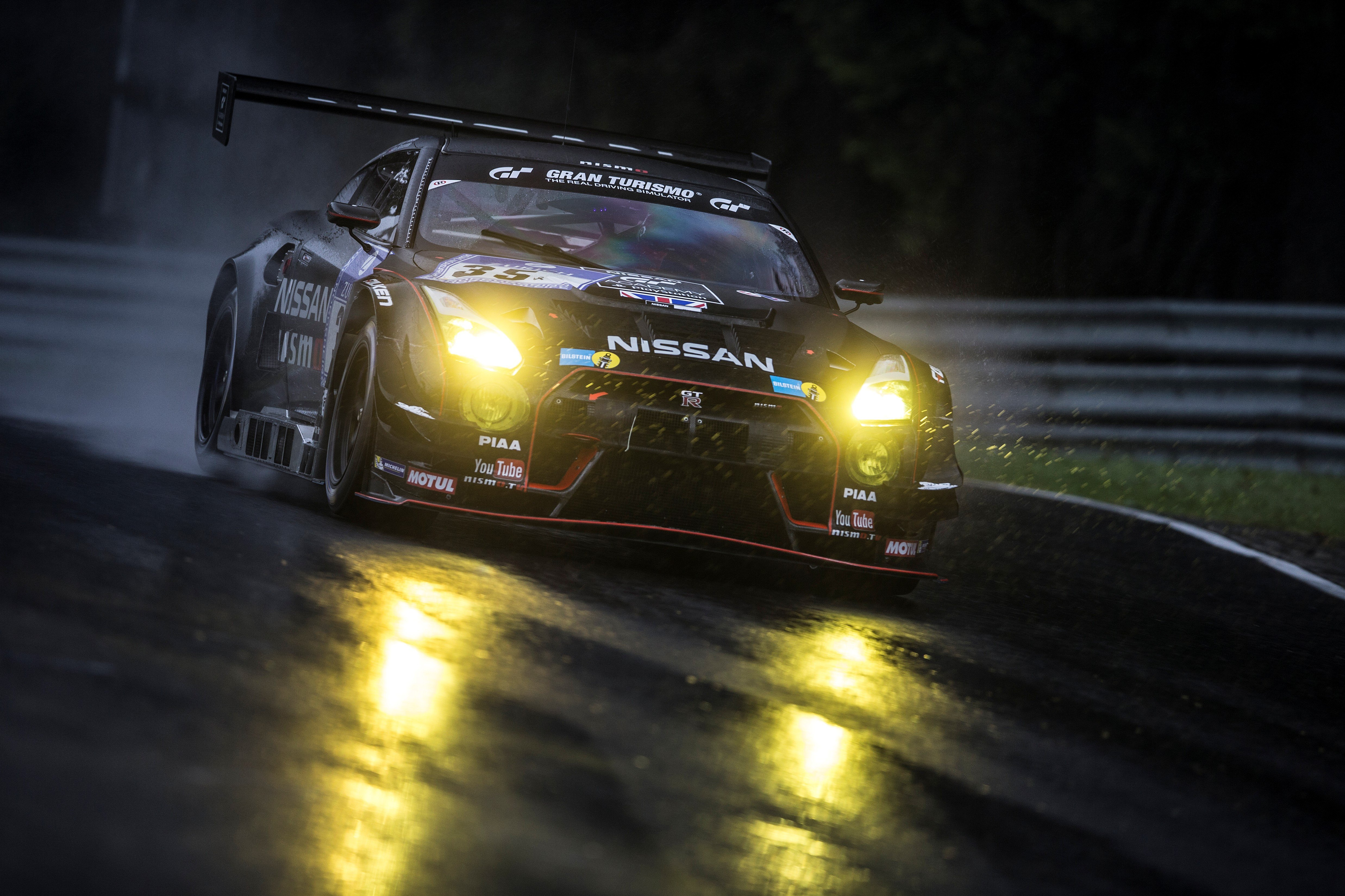 Nissan drivers warming up for the 24 Hours of Le Mans ...