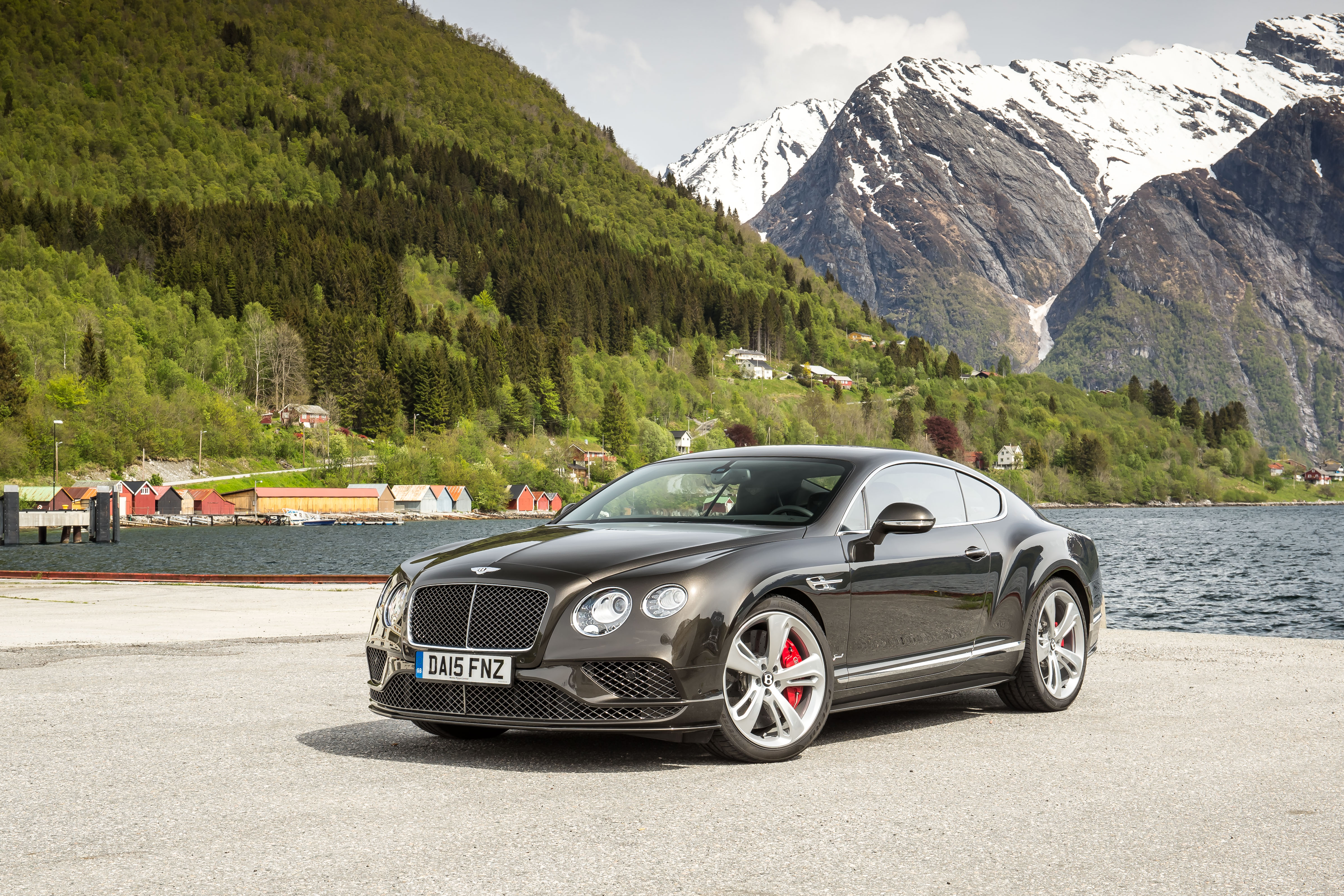 Record breaking Bentley Continental GT Speed in action at Goodwood ...